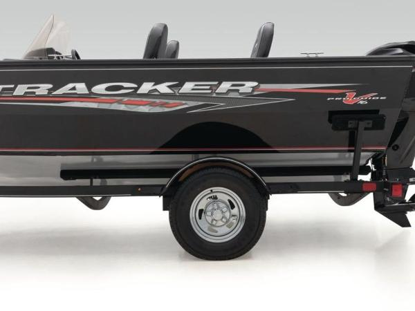 2021 Tracker Boats boat for sale, model of the boat is Pro Guide™ V-16 SC & Image # 37 of 43