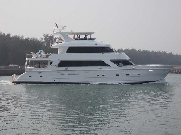2020 President 870 Tri Deck LRC