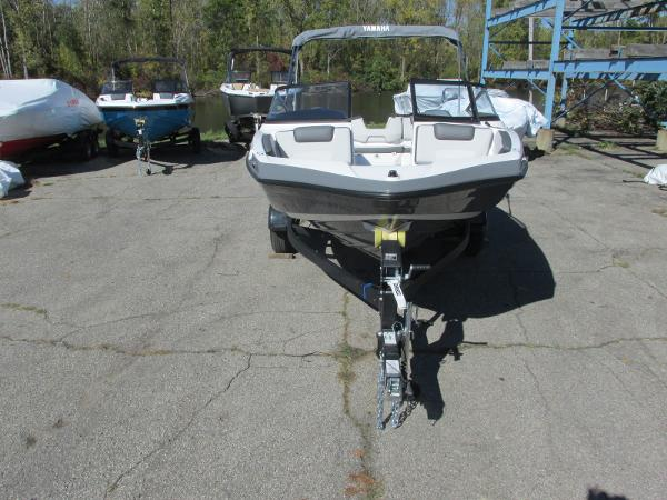2021 Yamaha boat for sale, model of the boat is SX190 & Image # 3 of 38