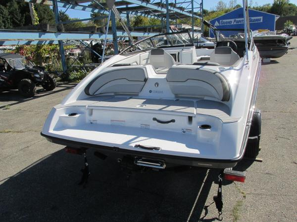 2021 Yamaha boat for sale, model of the boat is SX190 & Image # 4 of 38