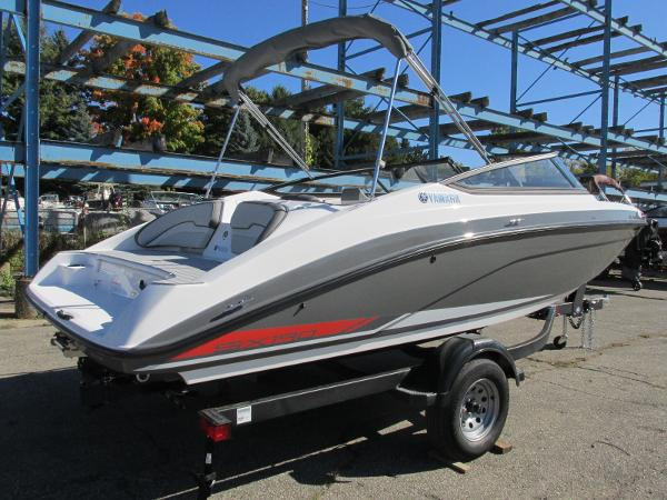 2021 Yamaha boat for sale, model of the boat is SX190 & Image # 7 of 38
