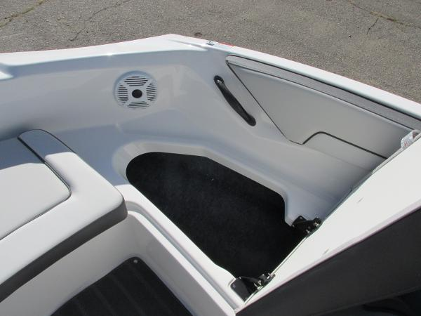 2021 Yamaha boat for sale, model of the boat is SX190 & Image # 12 of 38