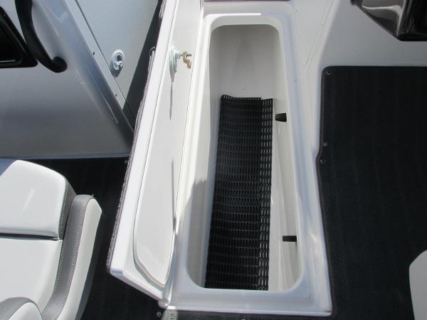 2021 Yamaha boat for sale, model of the boat is SX190 & Image # 19 of 38