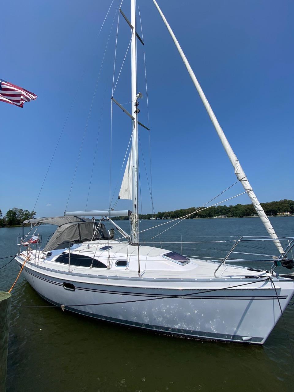 V 6391 BH Knot 10 Yacht Sales