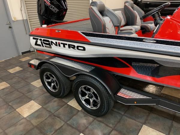 2021 Nitro boat for sale, model of the boat is Z19 & Image # 4 of 69