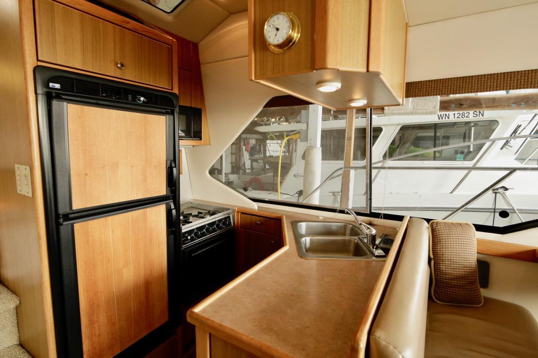 2000 Bayliner 4087 Aft Cabin Motoryacht
