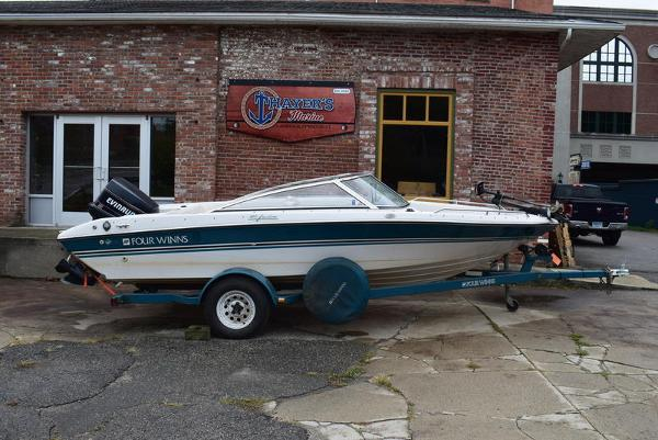 1993 Four Winns boat for sale, model of the boat is 180 Freedom & Image # 2 of 31