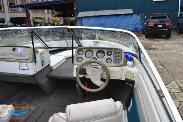 1993 Four Winns boat for sale, model of the boat is 180 Freedom & Image # 29 of 31