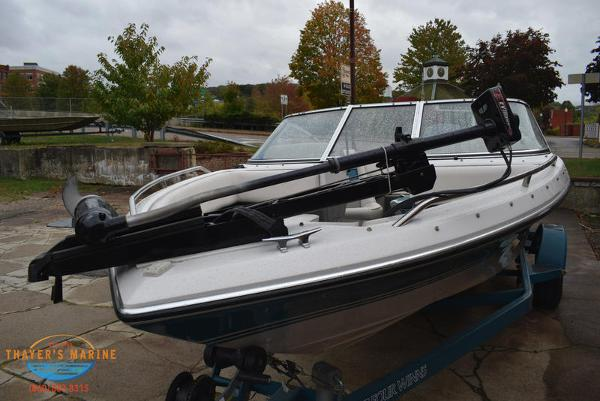 1993 Four Winns boat for sale, model of the boat is 180 Freedom & Image # 30 of 31