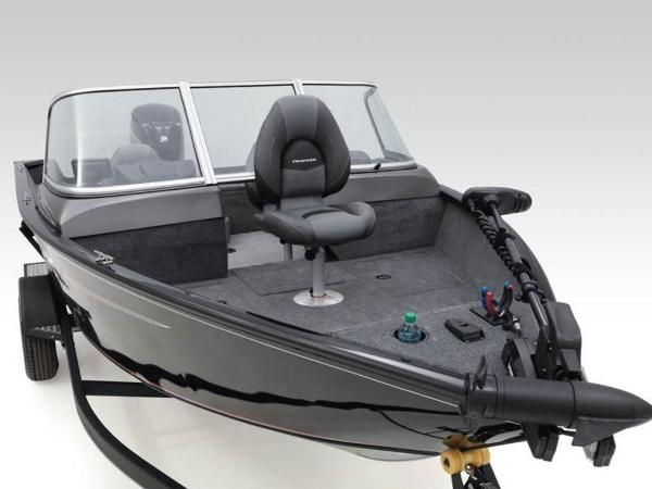 2021 Tracker Boats boat for sale, model of the boat is Pro Guide™ V-165 WT & Image # 15 of 41