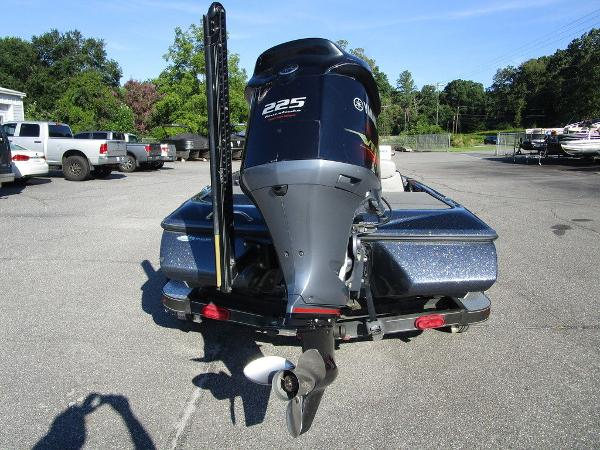 2015 Skeeter boat for sale, model of the boat is ZX 225 & Image # 4 of 20