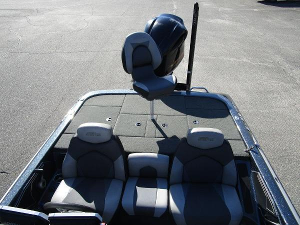 2015 Skeeter boat for sale, model of the boat is ZX 225 & Image # 10 of 20