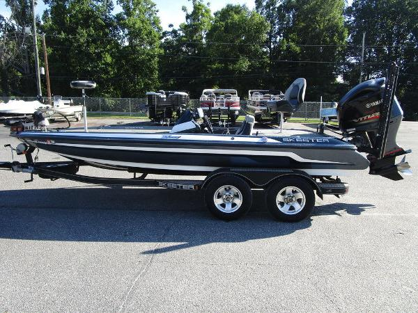 2015 Skeeter boat for sale, model of the boat is ZX 225 & Image # 12 of 20