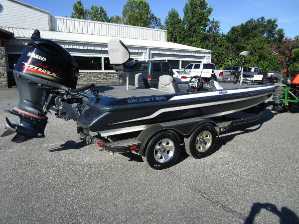 2015 Skeeter boat for sale, model of the boat is ZX 225 & Image # 14 of 20