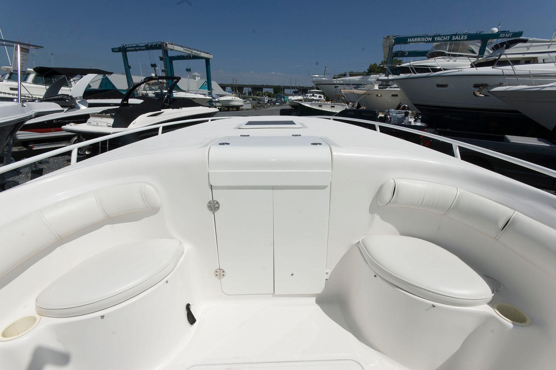 M 4950 EF Knot 10 Yacht Sales
