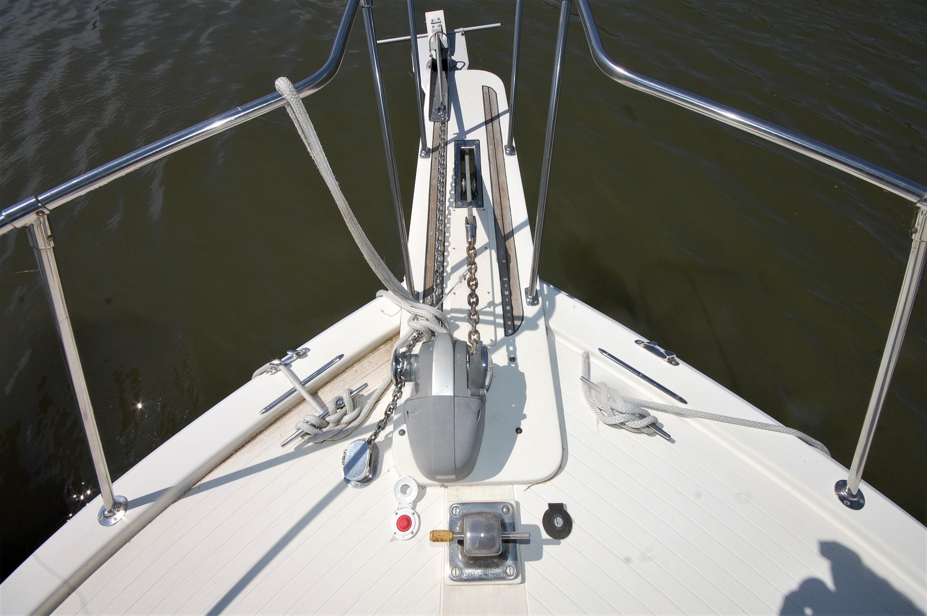 V 6114 SS Knot 10 Yacht Sales