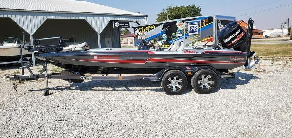 2015 BASS CAT BOATS Cougar FTD Silhouette
