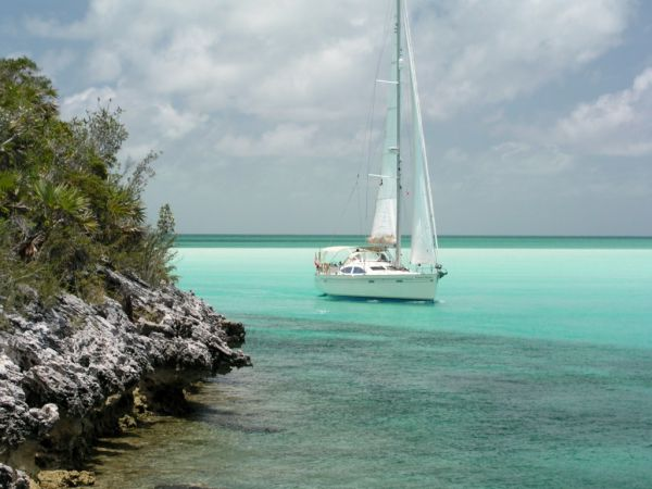 Sailing very close to shore in the Bahamas