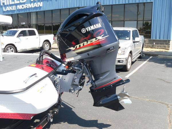 2021 Skeeter boat for sale, model of the boat is ZXR 20 & Image # 2 of 29
