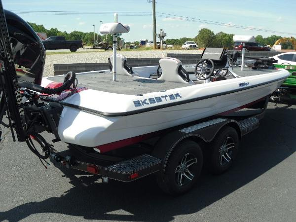 2021 Skeeter boat for sale, model of the boat is ZXR 20 & Image # 6 of 29