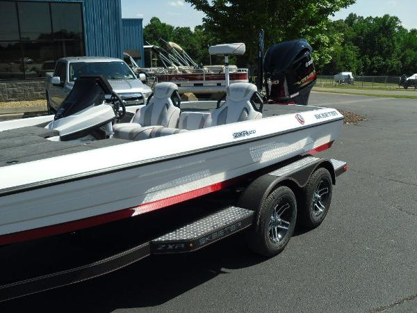 2021 Skeeter boat for sale, model of the boat is ZXR 20 & Image # 25 of 29