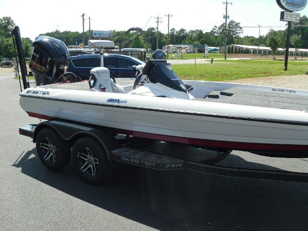 2021 Skeeter boat for sale, model of the boat is ZXR 20 & Image # 28 of 29