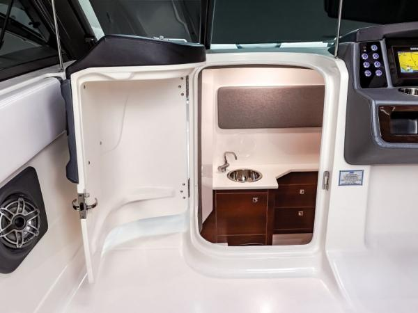 2021 Chaparral boat for sale, model of the boat is 280 OSX & Image # 6 of 9