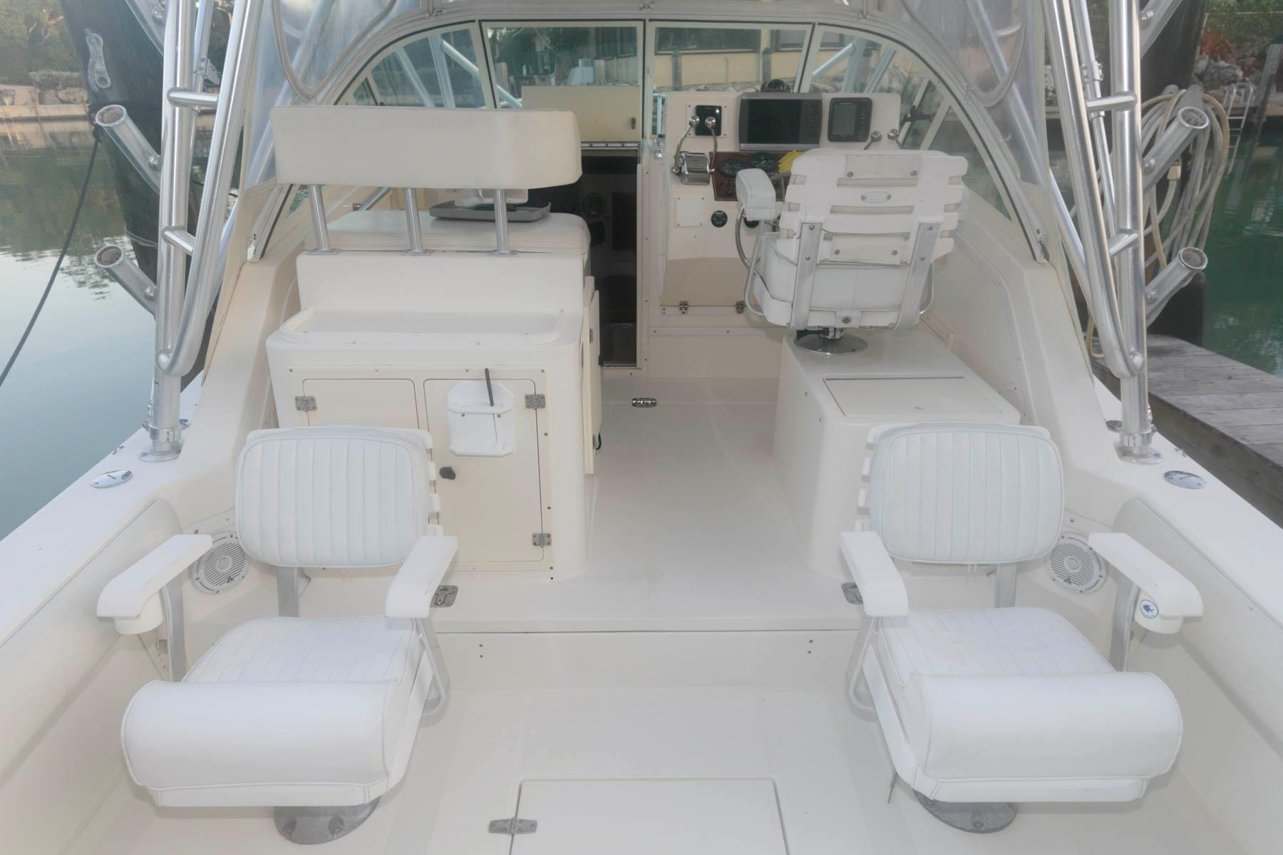 F 5924 DS Knot 10 Yacht Sales