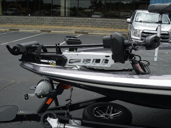 2021 Skeeter boat for sale, model of the boat is ZXR 21 & Image # 6 of 28