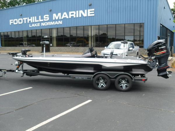 2021 Skeeter boat for sale, model of the boat is ZXR 21 & Image # 1 of 28