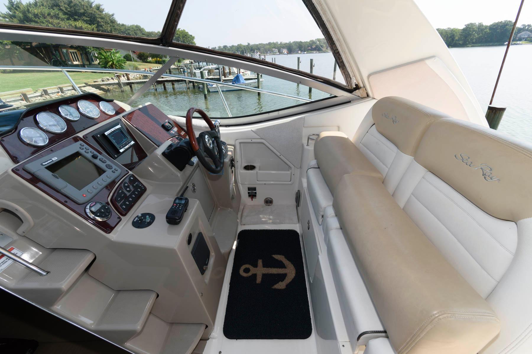 M 6334 KB Knot 10 Yacht Sales