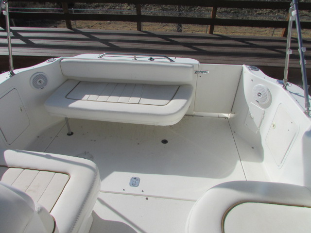2001 Sea Ray boat for sale, model of the boat is 270 Sundancer & Image # 10 of 27