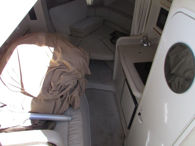 2001 Sea Ray boat for sale, model of the boat is 270 Sundancer & Image # 21 of 27