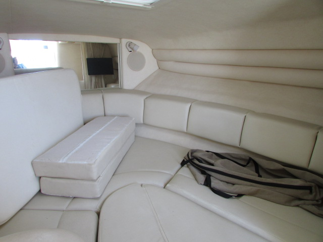 2001 Sea Ray boat for sale, model of the boat is 270 Sundancer & Image # 22 of 27