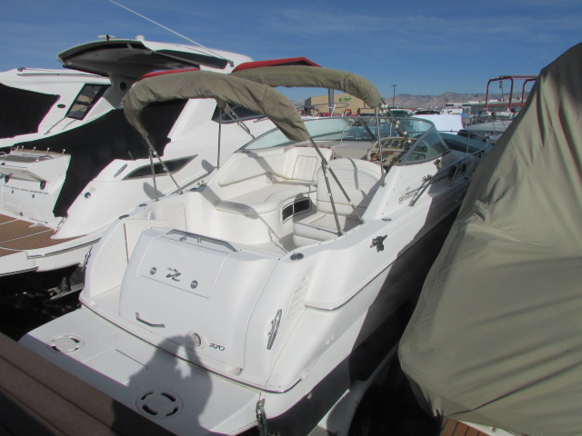2001 Sea Ray boat for sale, model of the boat is 270 Sundancer & Image # 24 of 27
