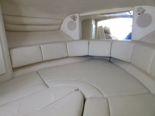 2001 Sea Ray boat for sale, model of the boat is 270 Sundancer & Image # 6 of 27