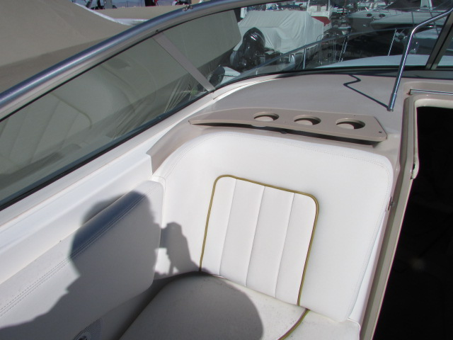 2001 Sea Ray boat for sale, model of the boat is 270 Sundancer & Image # 9 of 27