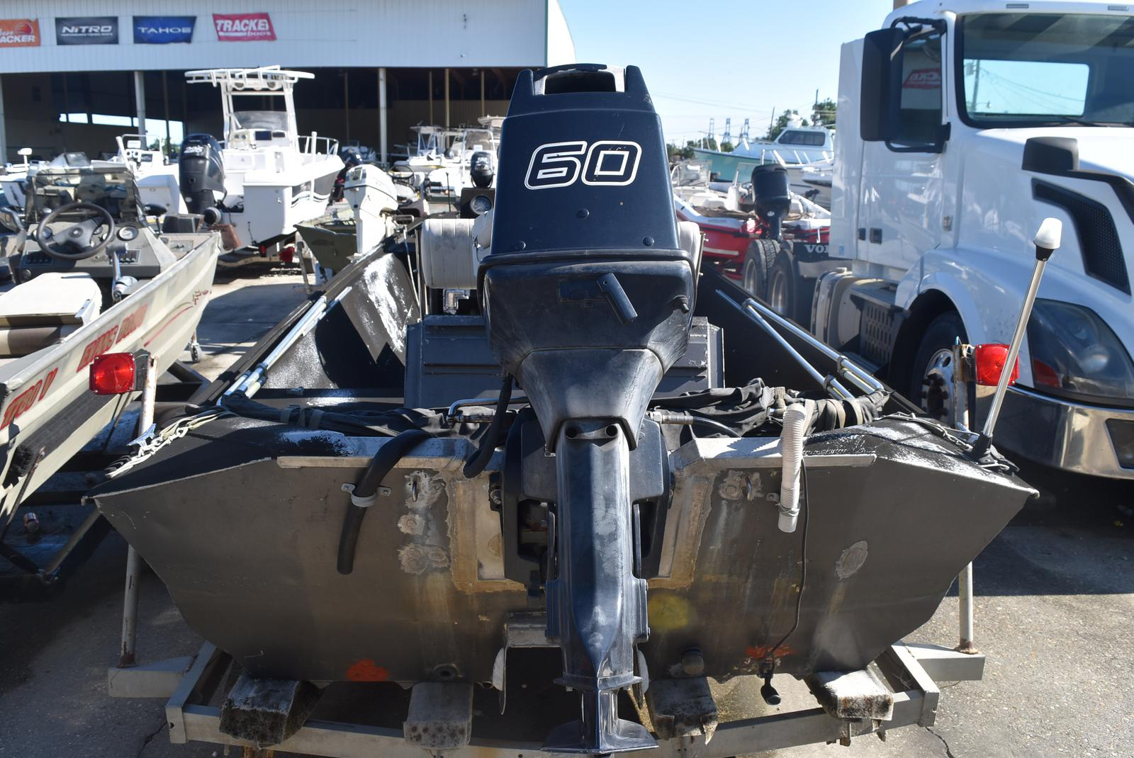 1990 Duracraft boat for sale, model of the boat is 18 & Image # 2 of 4