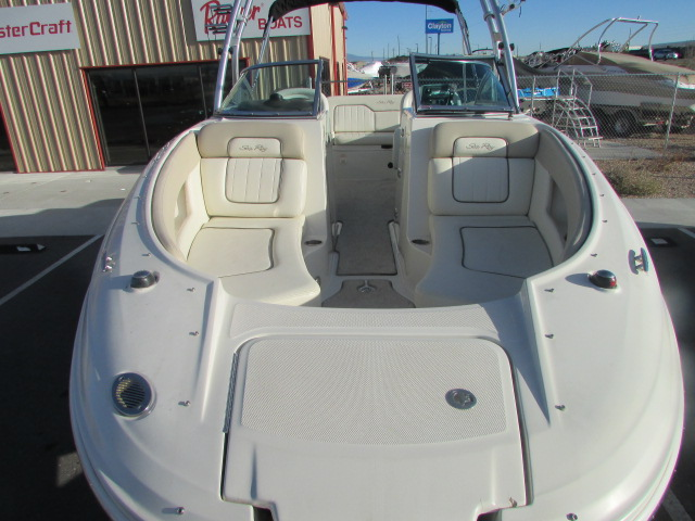 2009 Sea Ray boat for sale, model of the boat is 230 Sundeck & Image # 9 of 26