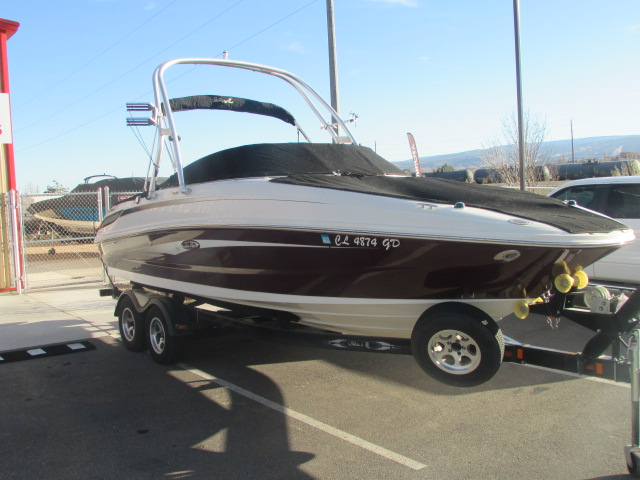 2009 Sea Ray boat for sale, model of the boat is 230 Sundeck & Image # 23 of 26