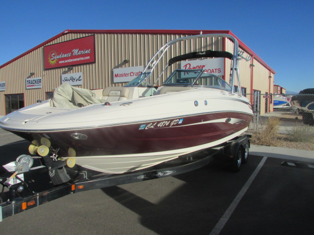 2009 Sea Ray boat for sale, model of the boat is 230 Sundeck & Image # 4 of 26