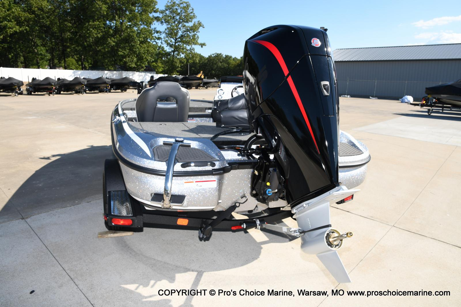 2021 Nitro boat for sale, model of the boat is Z18 w/175HP Pro-XS & Image # 19 of 50