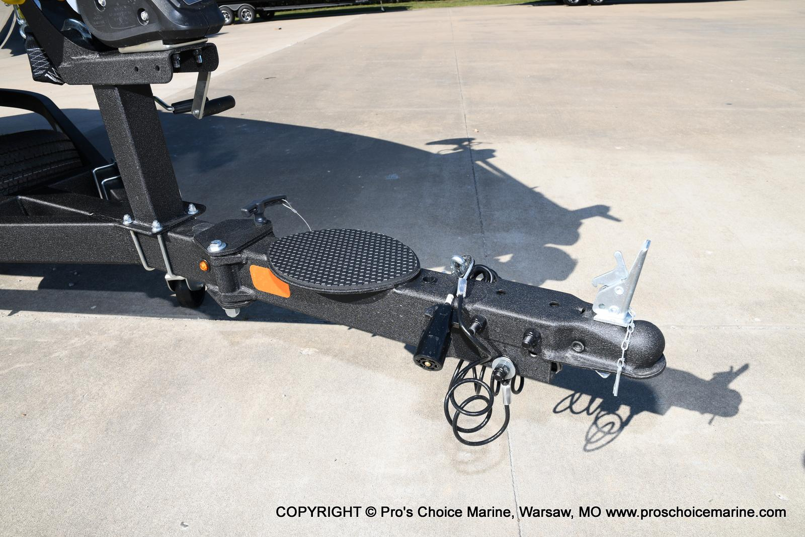 2021 Nitro boat for sale, model of the boat is Z18 w/175HP Pro-XS & Image # 42 of 50