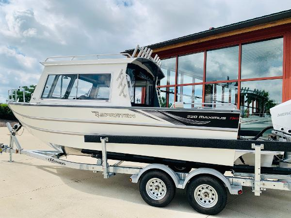 2021 Spartan boat for sale, model of the boat is 220 Maximus & Image # 1 of 31