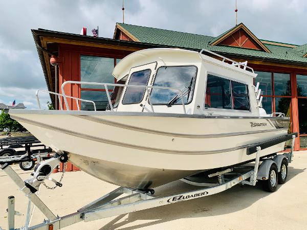 2021 Spartan boat for sale, model of the boat is 220 Maximus & Image # 2 of 31