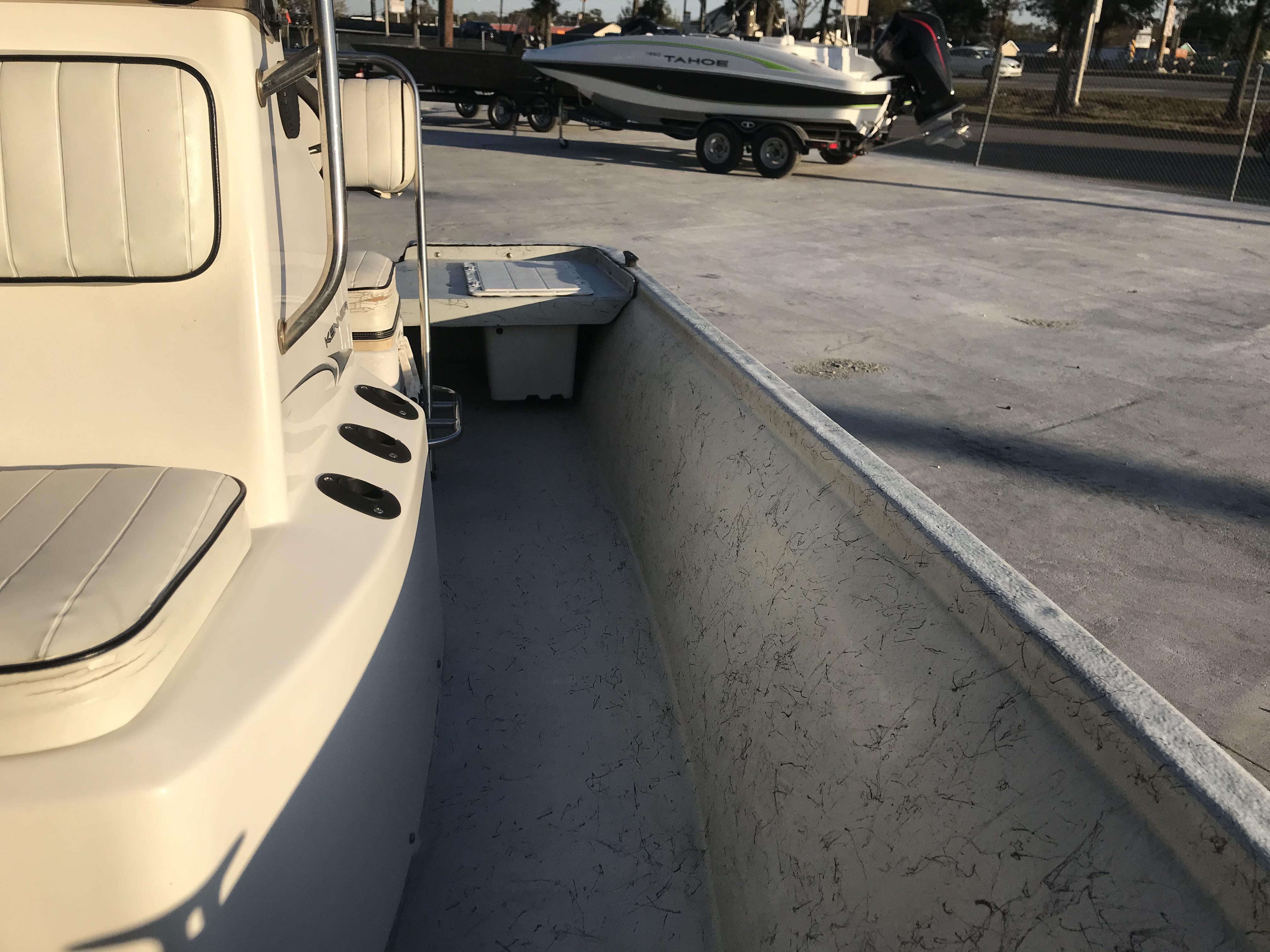 2002 Kenner boat for sale, model of the boat is 180V & Image # 3 of 10