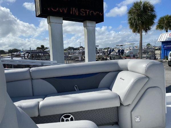 2018 Hurricane boat for sale, model of the boat is FD 196 OB & Image # 9 of 10