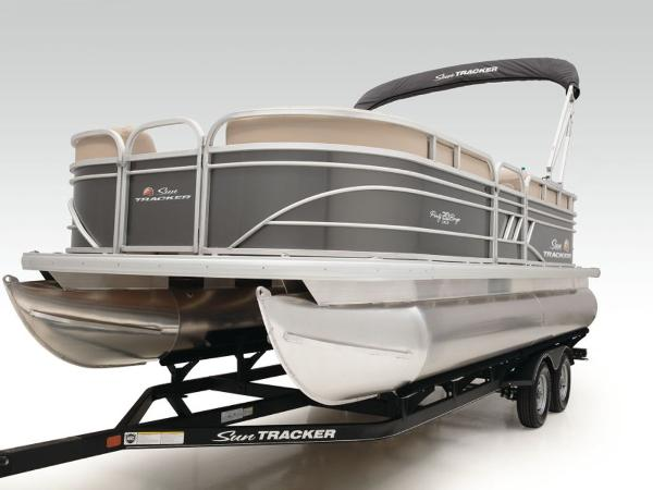 2021 Sun Tracker boat for sale, model of the boat is PARTY BARGE® 20 DLX & Image # 17 of 20