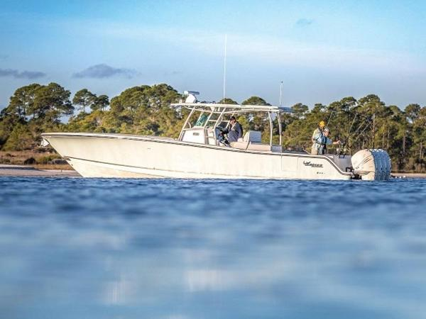2021 Mako boat for sale, model of the boat is 414 CC & Image # 1 of 1