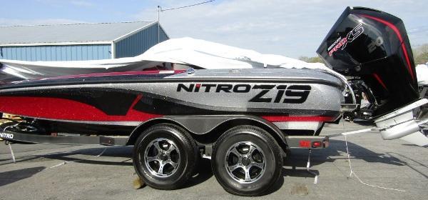 2021 Nitro boat for sale, model of the boat is Z19 & Image # 1 of 5